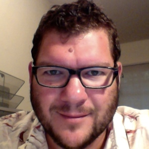 Zak Nelson headshot